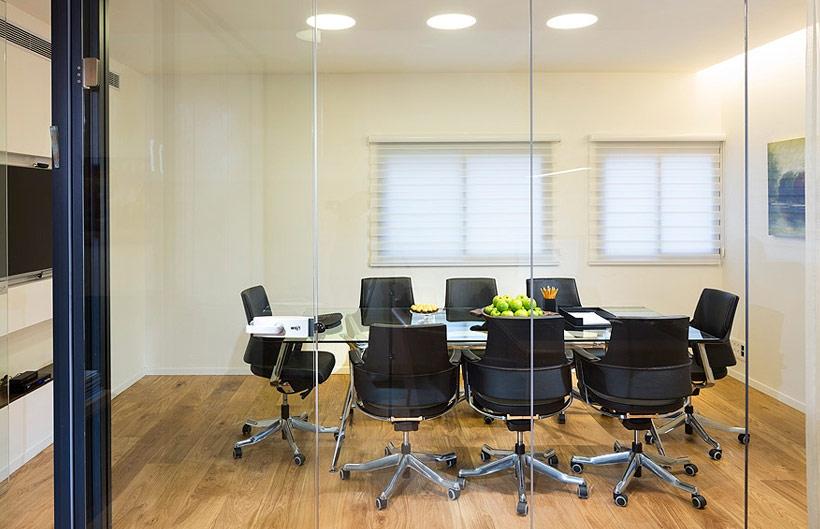 תמונה של המשרד של עורך דין הסכמים